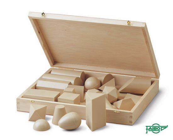 CUERPOS GEOMÉTRICOS FA825 Material: Plástico - Caja: Madera 25 figuras